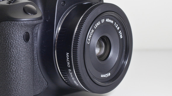 canon-24mm-pancake-lens