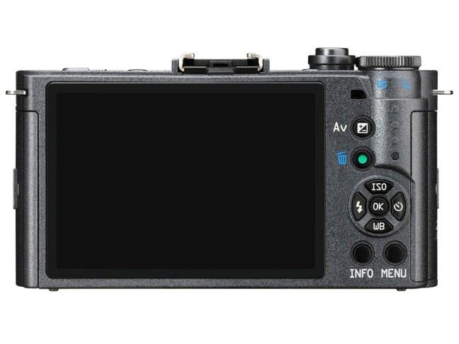 pentax-q-s1-camera-02
