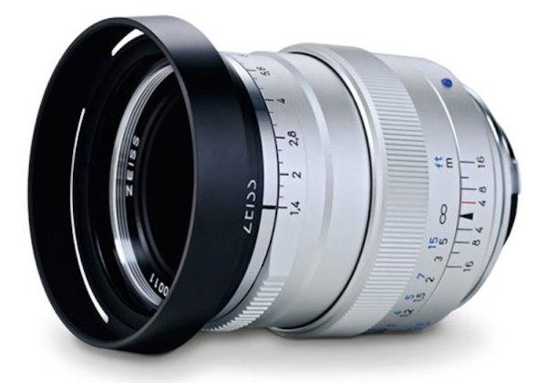 Zeiss-Distagon-T-1435-ZM-lens-silver