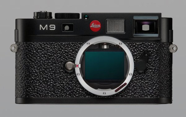 leica-m9-sensor-white-spots-corrosion-issues