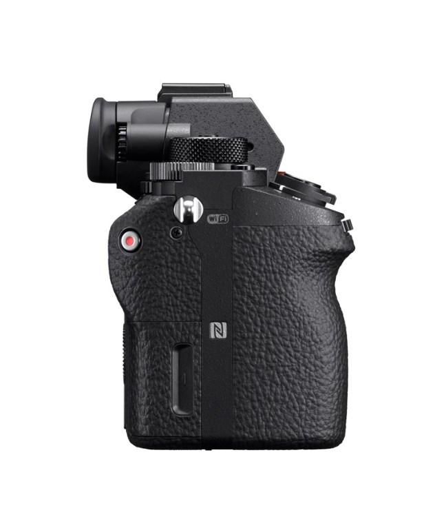 sony-a7sii-mirrorless-camera-02