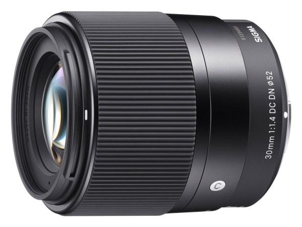 Sigma 30mm F1.4 lens reviews roundup