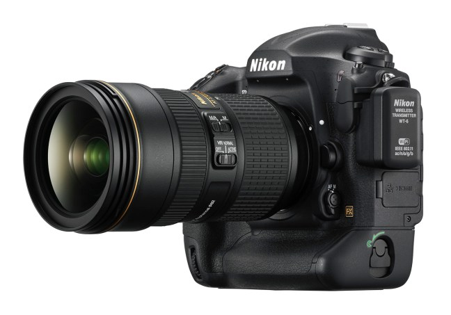 Nikon D5 Reviews Roundup