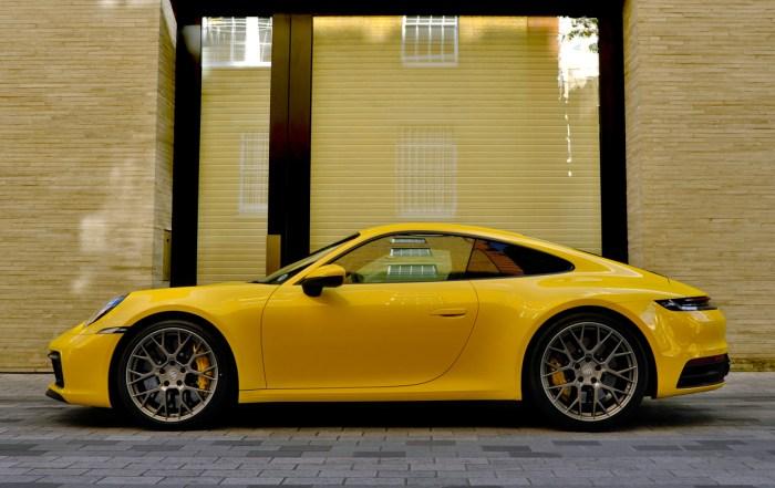 2019 Porsche 911 8th generation profile dailycarblog.com