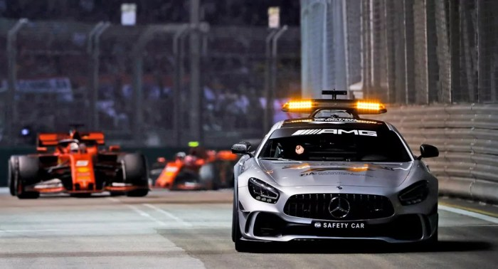 2019 Singapore GP safety car