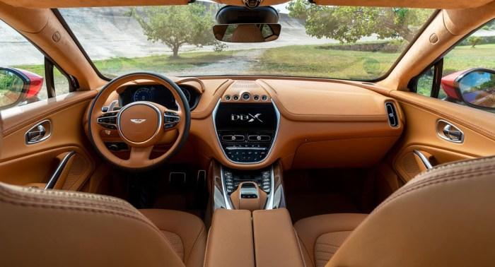 Aston Martin DBX, interior, dailycarblog.com