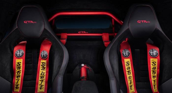 Alfa Romeo Giulia - GTA - Seat Belt - Dailycarblog.com