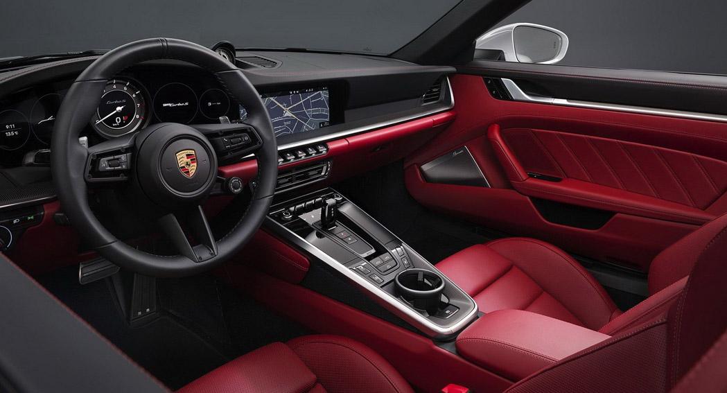 Porsche 911 Turbo S - 2020 - Interior - Dailycarblog.com