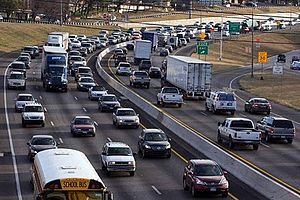 Traffic has steadily increased on Interstate 35 in Round Rock and averages more than 225,000 cars per day. (Photo credit: Wikipedia)