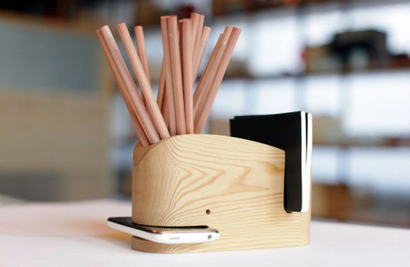Wood_Whale_Desk_Organizer_iPhone_Holder_01
