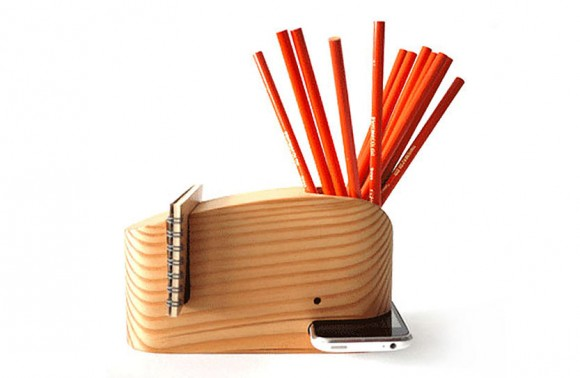 Wood_Whale_Desk_Organizer_iPhone_Holder_02