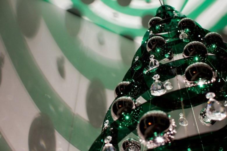 modern_christmas_tree_07