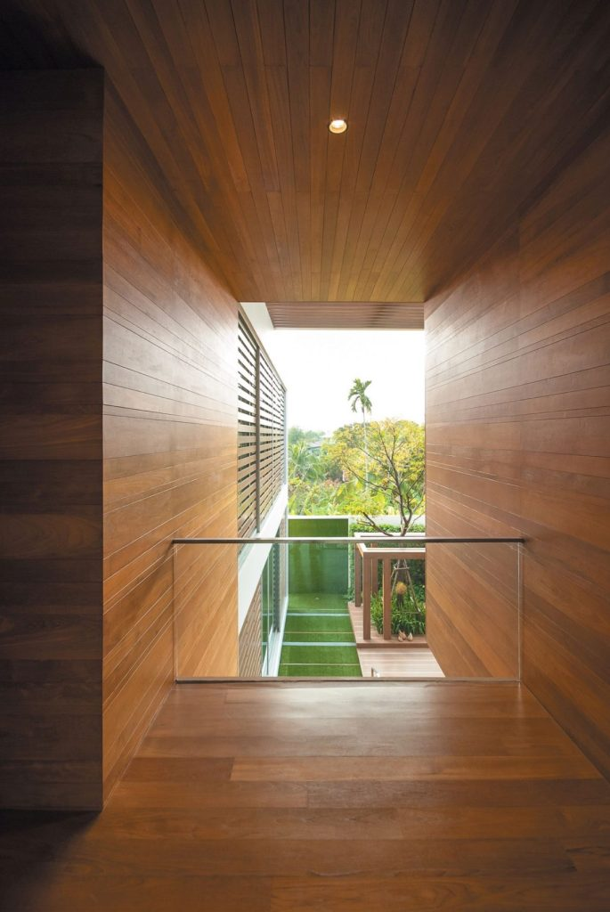 Wind house - Balcony