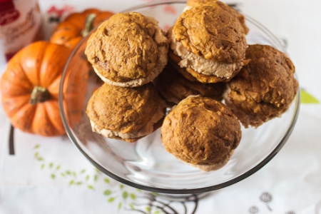 Halloween Recipes: Pumpkin Whoopie Pies with Biscoff Cream