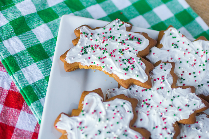 Frosted Ginger Spice Cookies #Cookielicious