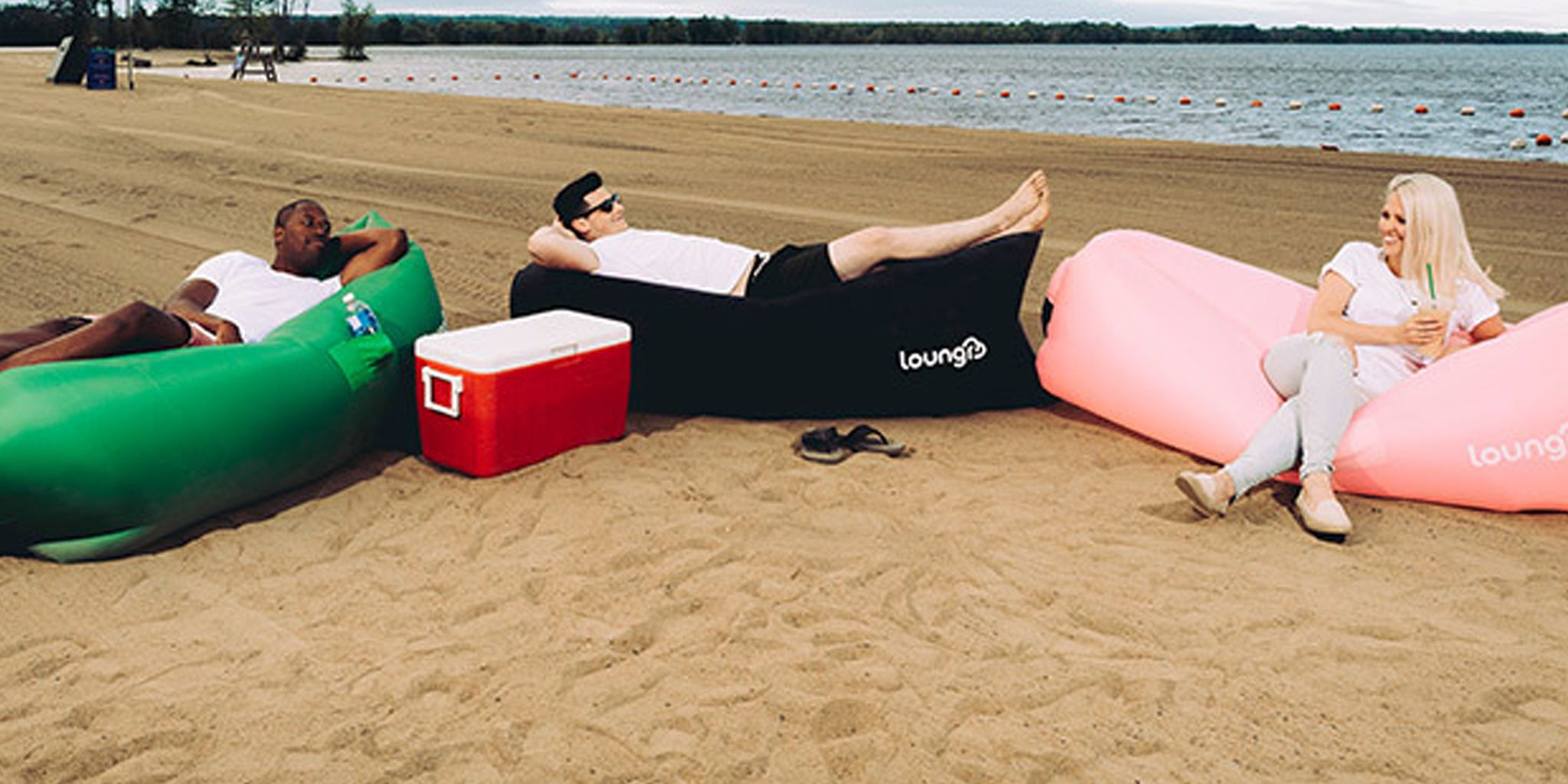This lounger fully inflates in seconds so you can