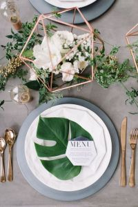 7 Gorgeous table settings that make Greenery the perfect ...