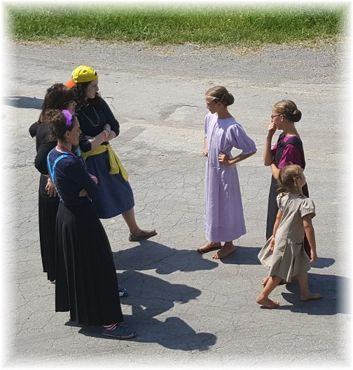 Amish girls meet orthodox Jewish girls 7/20/16