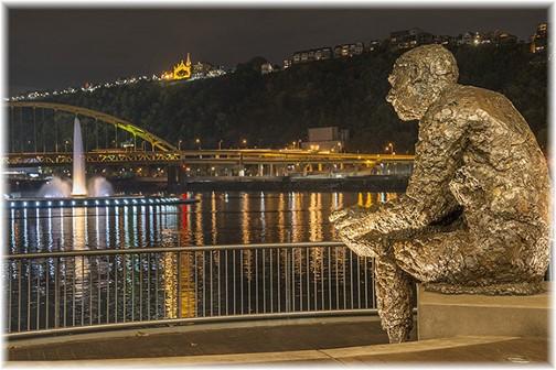 Pittsburgh statue (photo by Howard Blichfeldt)
