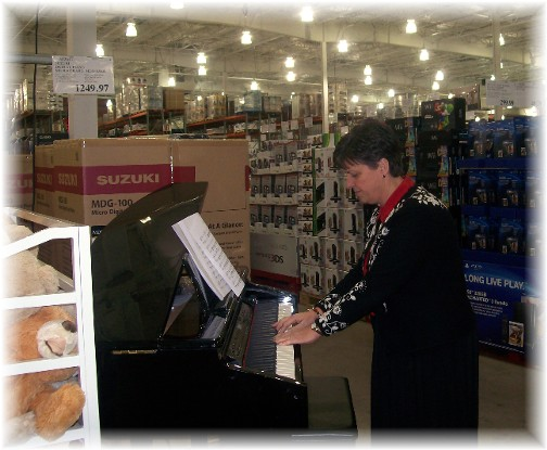 Brooksyne Weber, Costco pianist
