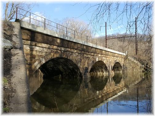 Chiques Creek Railroad Bridge 4/2/17 (Click to enlarge)