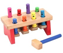 Toy hammer with pegs