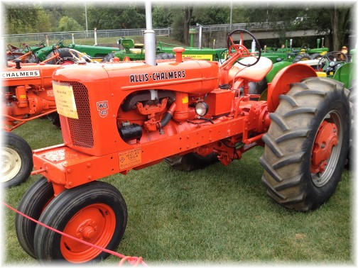 1954 Allis-Chalmer tractor at Ephrata Fair (click to enlarge)