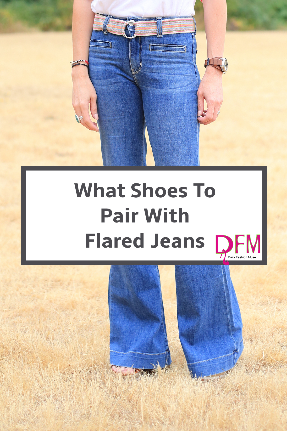 Stumped by what shoes look best with flared jeans. Click through to see what shoes work best with flared jeans and how to style them.