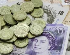 Pound Lower as Brexit Realization Weighs