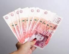 Pound Advances as Markets Await Johnson News