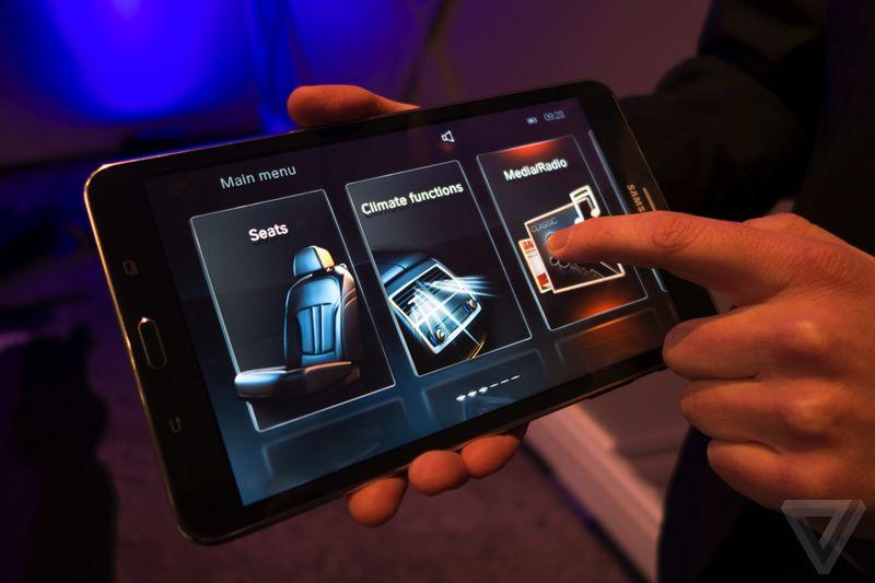 Tablet และ gesture control จะอยู่ใน BMW