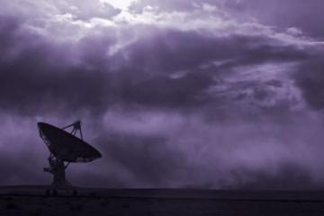Radio Telescope Scans the Sky