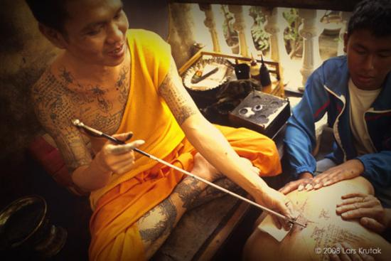 Tattooing at a temple in Thailand - © Lars Krutak