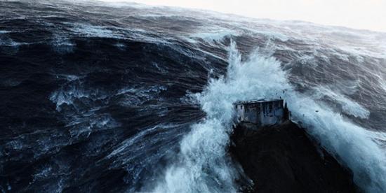2012 Movie Tsunami