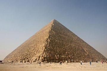 Great Pyramid of Giza. Image by Nina-no, Creative Commons licence
