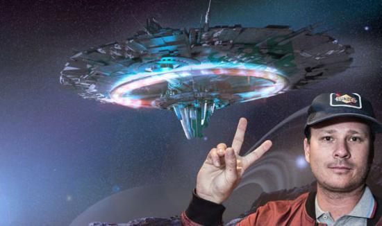 Tom DeLonge and Flying Saucer
