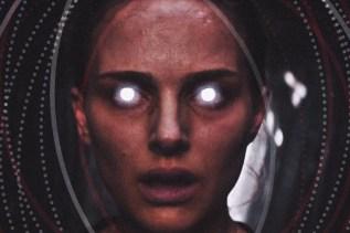 Lena's alien encounter in Annihilation