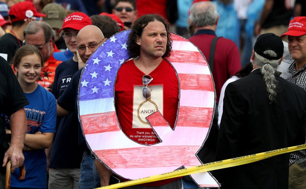 Qanon supporter wearing a noose t-shirt
