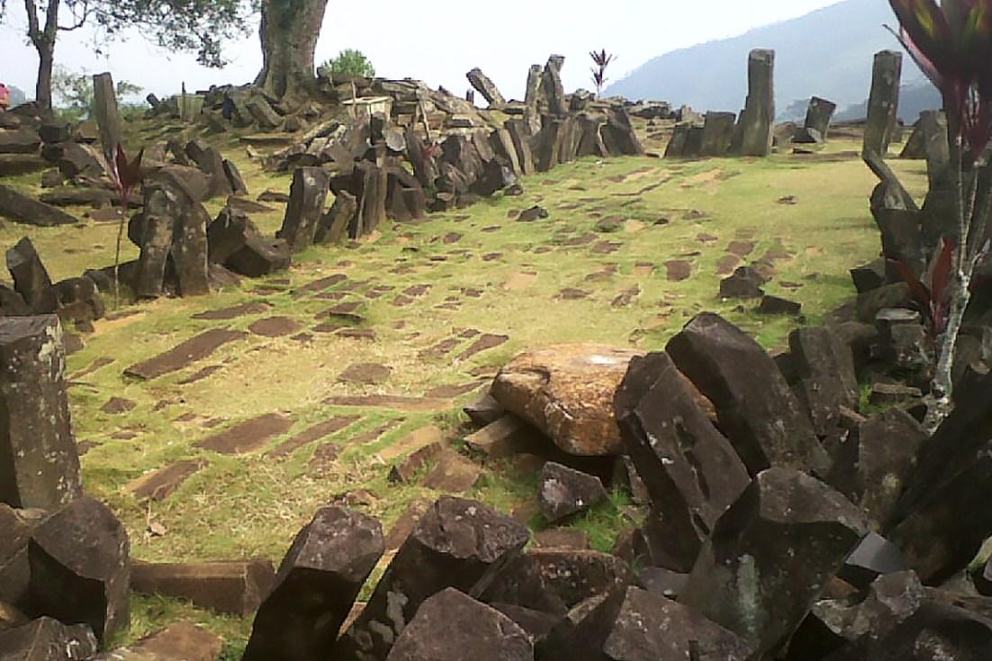 Gunung Padang (Mohammad Fadli, CC 3.0 licence)