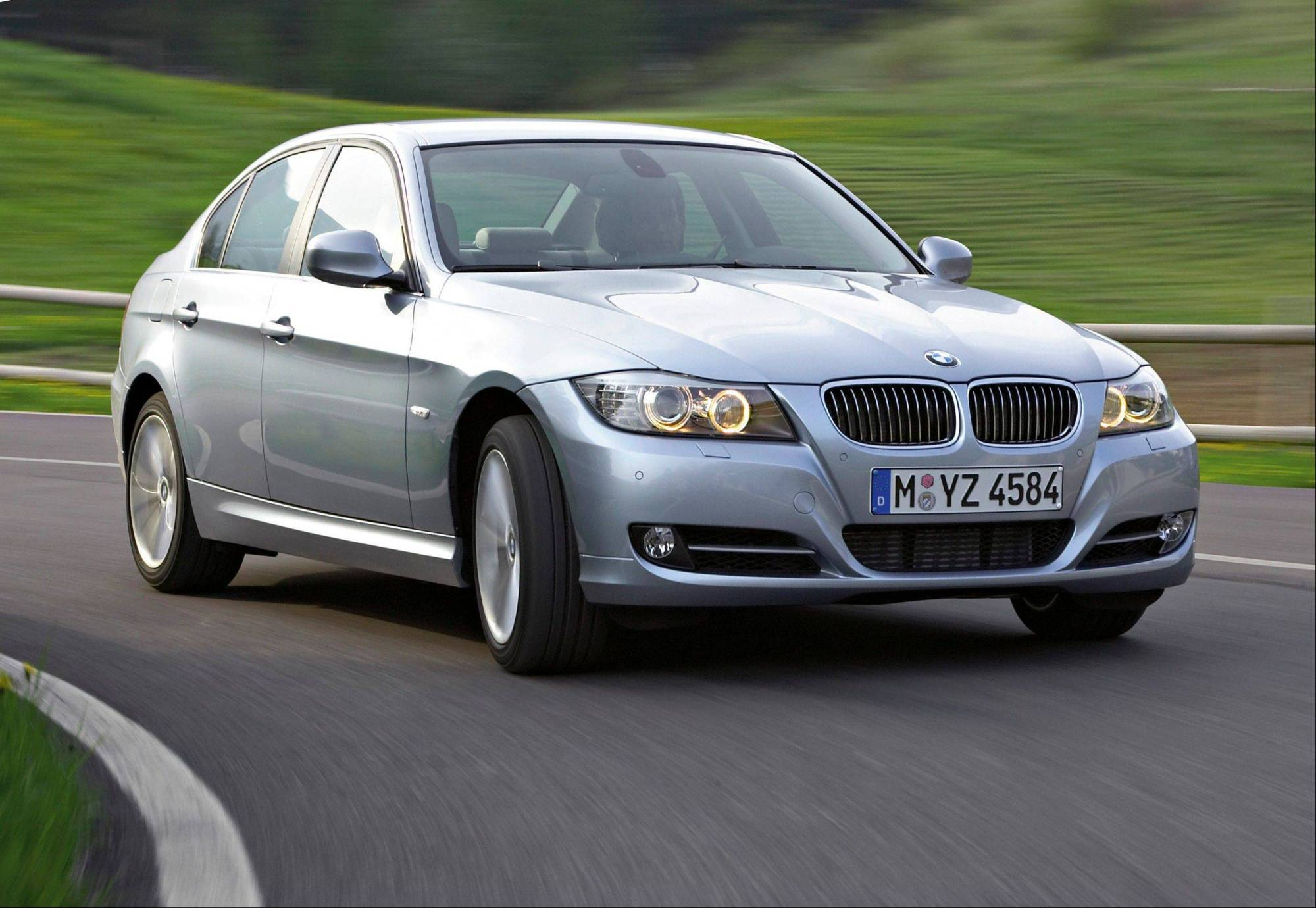 hight resolution of bmw recalls nearly 570 000 cars to fix cables bmw e90 battery bmw e90 fuse box recall