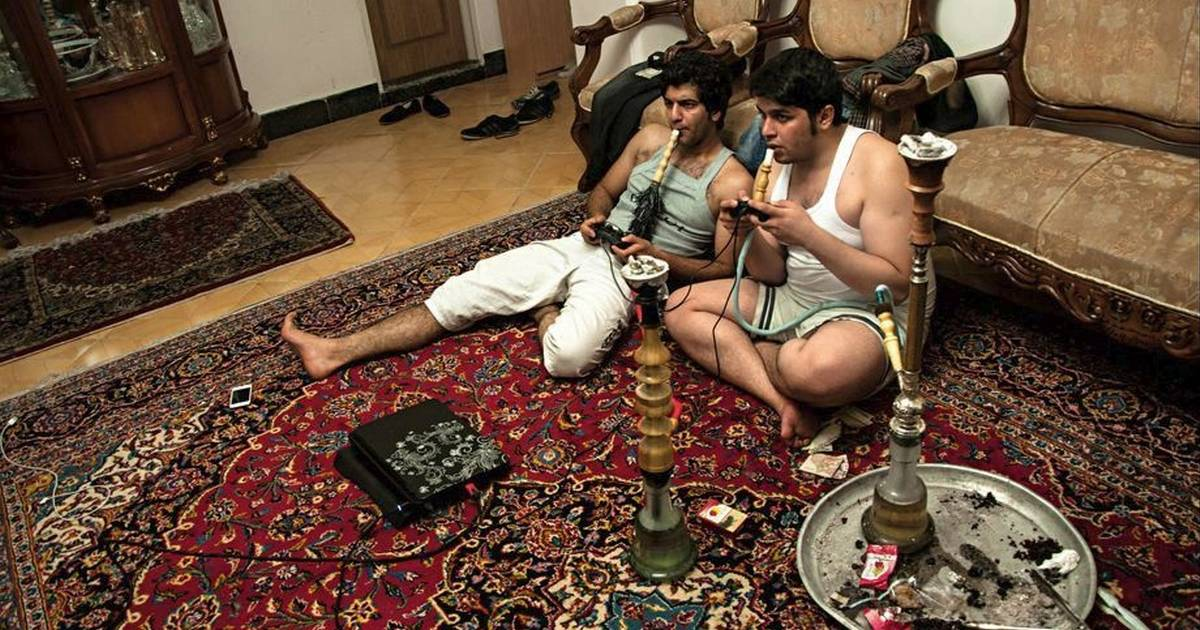 What does an Iranian living room look like