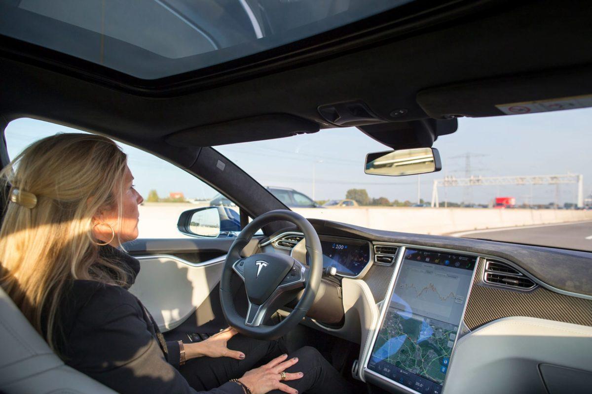 Tesla is buying computer vision start-up DeepScale