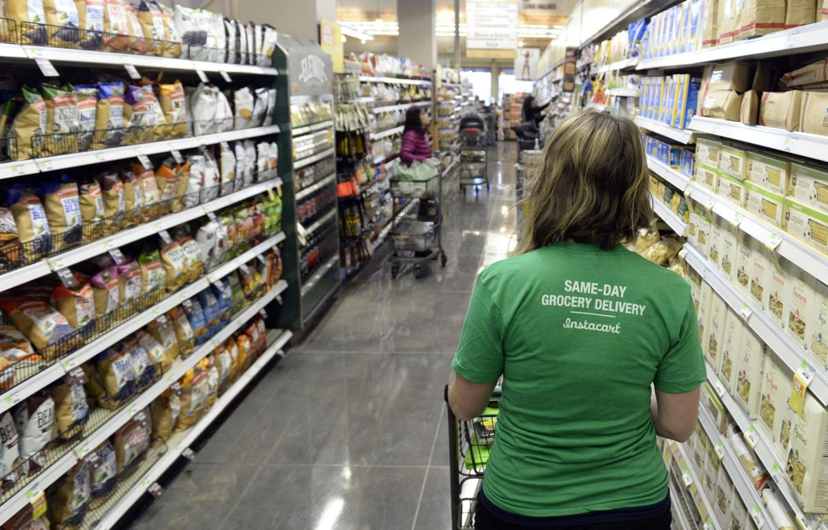 Grocery and Delivery Workers Unhappy With Pandemic Conditions