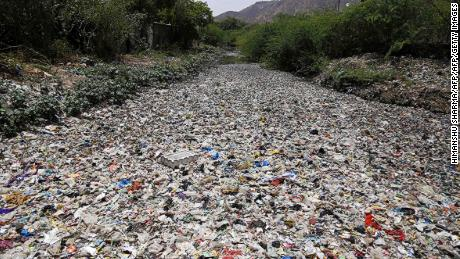710M clean and pollution with tons of plastic waste despite efforts to cut 2040, says study