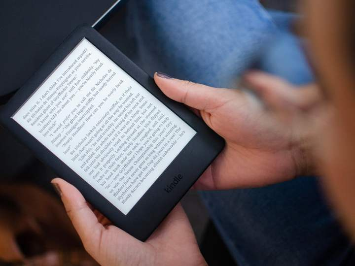 Amazon Kindle vs. Kindle Paperwhite: Battle of the Budget E-Book Readers