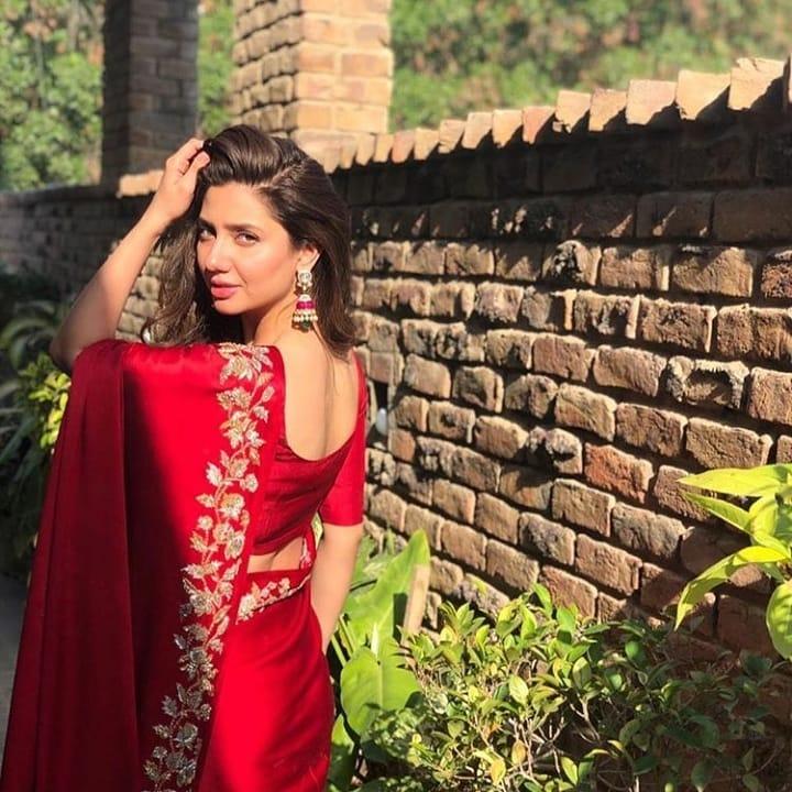 Awesome Mahira Khan in Hand Crafted Embroidered Sari by Nida Azwer