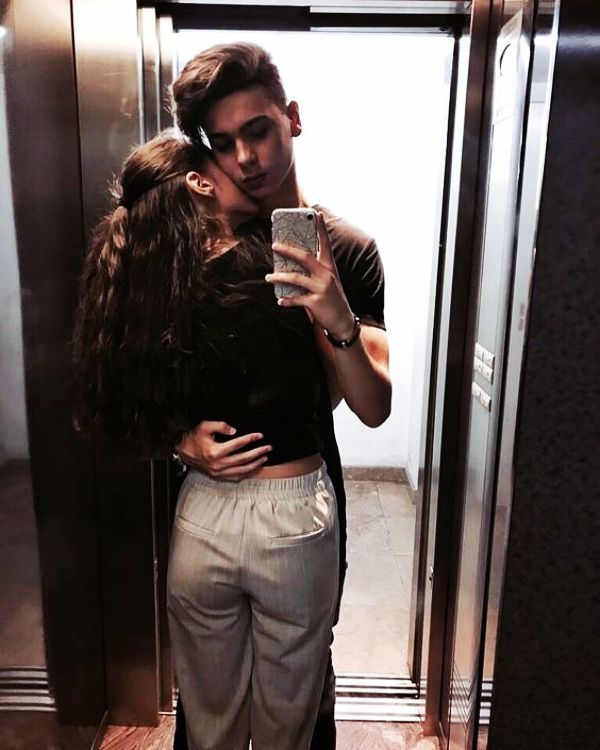 Awesome 15 ➕ Best Selfies Poses for Young Couples For Yr 19