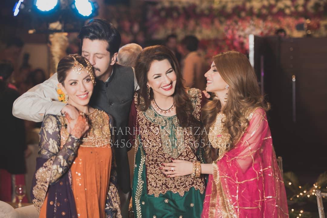 Awesome Photos of Actress Kinza Hashmi at Salman Faisal Mehndi