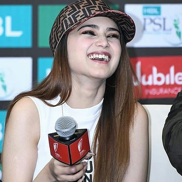 Awesome Aima Baig at PSL Opening Ceremony Last Night in Dubai