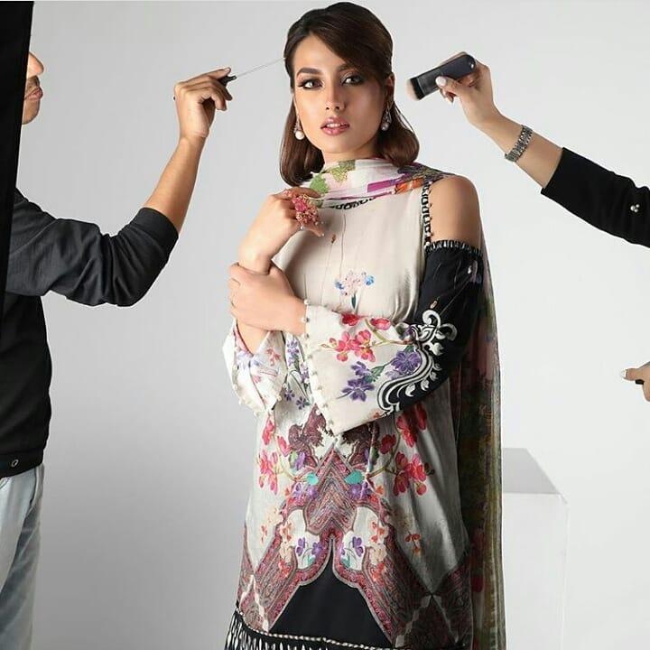 New Awesome Photoshoot of Iqra Aziz